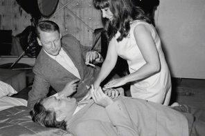 Richard Burton, Haskell Wexler, Mike Nichols and Elizabeth Taylor on the set of Who's Afraid of Virginia Woolf?, 1966