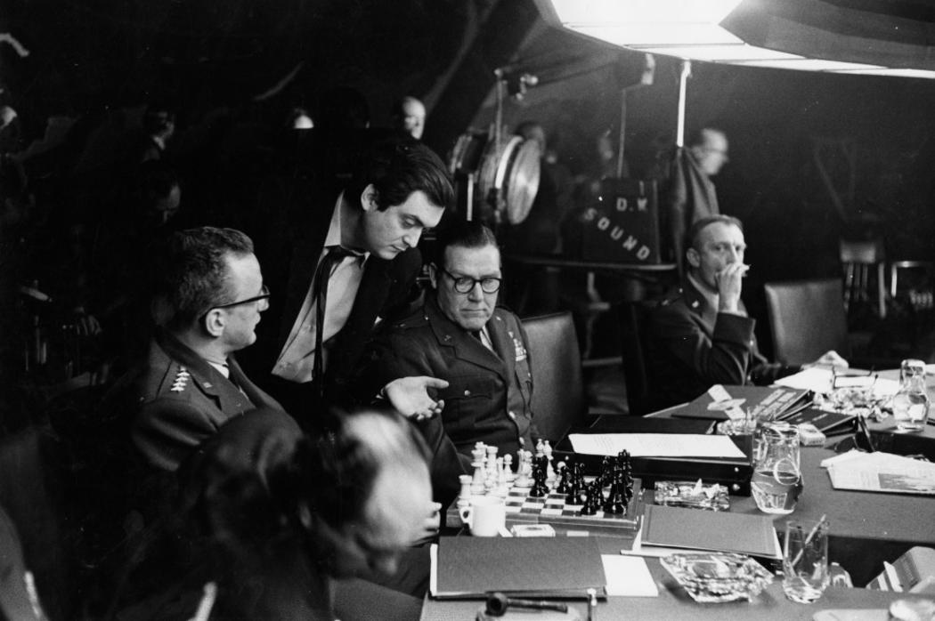 film class dr strangelove or how i learned to stop worrying film class 9 dr strangelove or how i learned to stop worrying and love the bomb stanley kubrick steemit