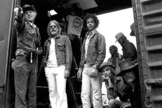 Hal Ashby and Haskell Wexler on the set of Bound for Glory. Production still photographer: Wynn Hammer © United Artists. Picture courtesy of Jeff Wexler